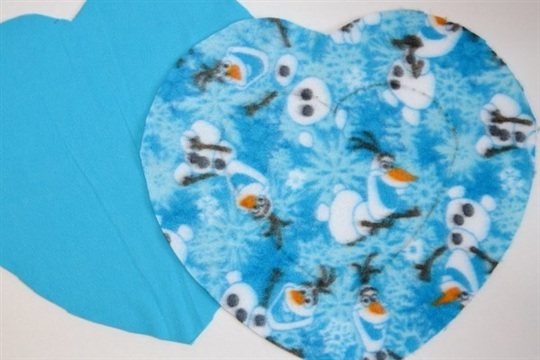 D.I.Y. Olaf Inspired Frozen Heart Pillow