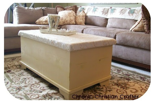 Coffee Table and DIY Chalkboard Paint