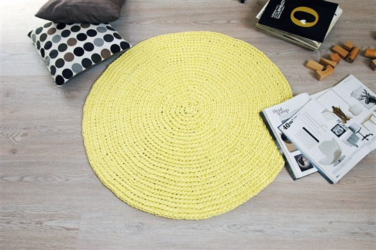 RUUGY. lemon crochet rug