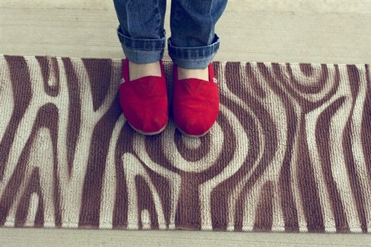 Learn How to Make a DIY Woodgrain Rug