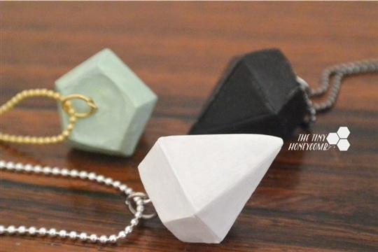 DIY Diamond Necklace tutorial