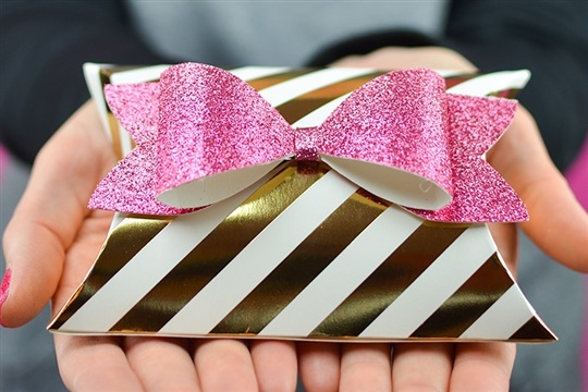 Make Your Own Gift Card Pillow Box