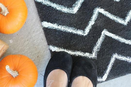 Fall Porch + $2 DIY Halloween Rug So Festive!