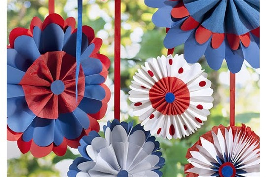 GIANT PARTY ROSETTES