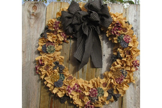 Homespun Rag Wreath _  Rags-n-Rhinestones