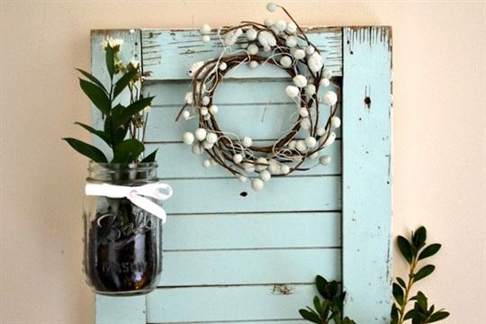 DIY shutter Mason jar garden