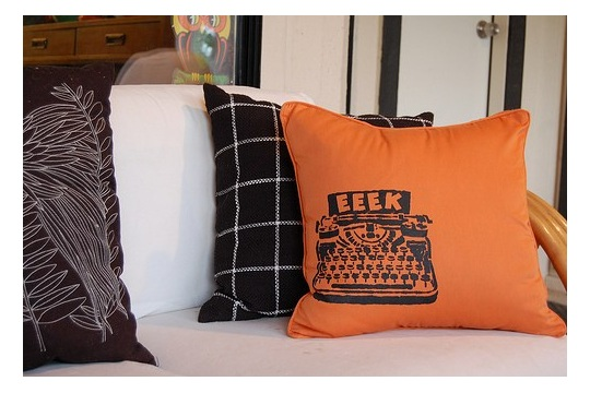 Haunted Halloween Pillow How-To