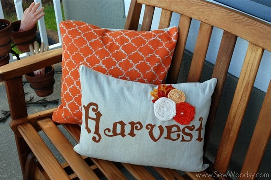 {Tutorial} Double-Sided Fall/Halloween Painted Pillow Covers   Sew Woodsy