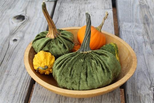 DIY Halloween Fall Velvet Pumpkins