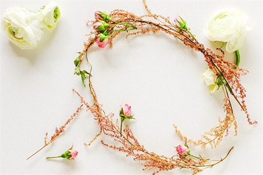 DIY Floral Pie Topper & Wreath