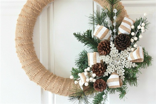 Burlap Christmas Wreath Tutorial Love of Family & Home