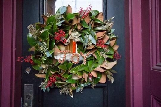 DIY Joyful Magnolia Wreath
