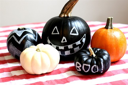 Chalkboard Pumpkins DIY Craft