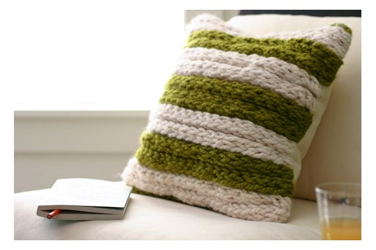 Diy project chunky finger knit pillow