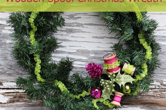 Simple Wooden Spool Christmas Wreath