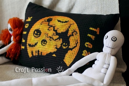 Halloween Pillow Tutorial