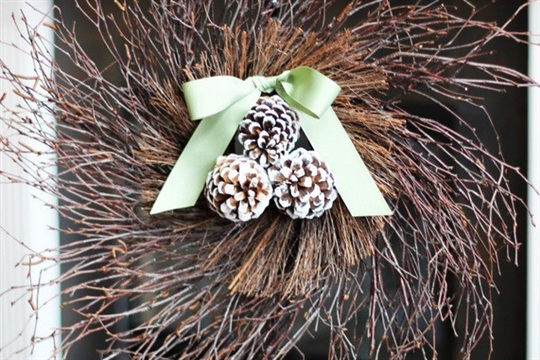 Twig and Pine Cone Wreath Positively Splendid {Crafts, Sewing, Recipes and Home Decor}