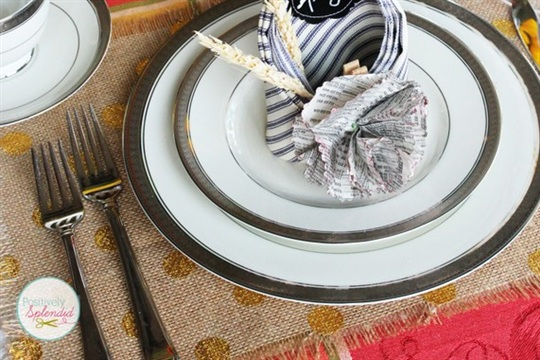 Thanksgiving Tablescape and Fall Craft Photo Contest Positively Splendid {Crafts, Sewing, Recipes and Home Decor}
