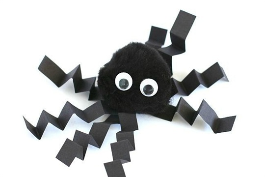 Make this Pom Pom Spider Craft for Kids for Halloween