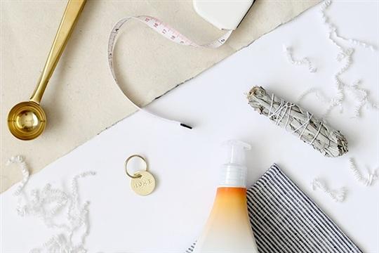 DIY housewarming gift box (+ free printable)