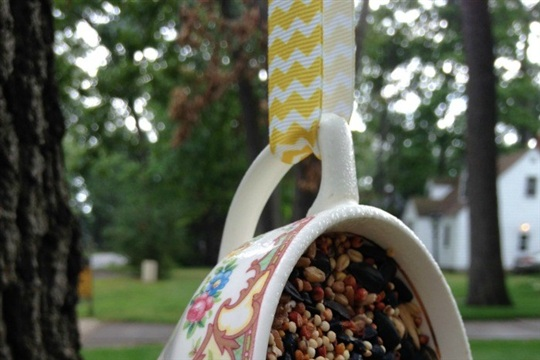 Upcycled DIY Teacup Bird Feeder SheSaved?